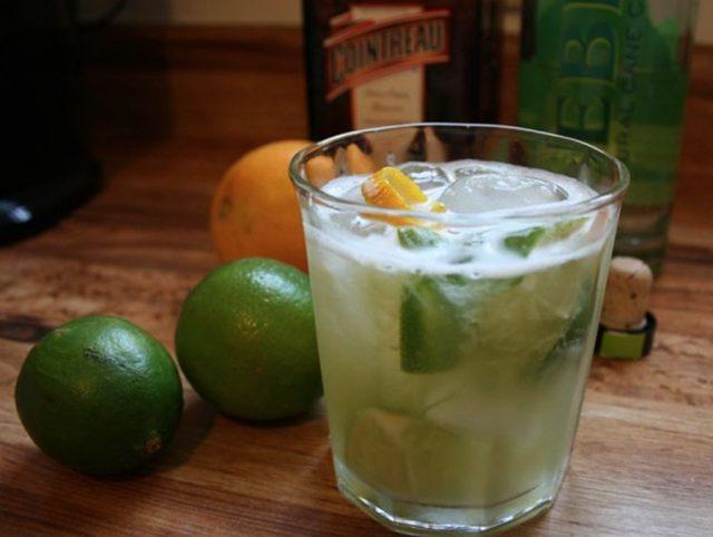 Cocktail Recipe for Brazil's Caipirinha