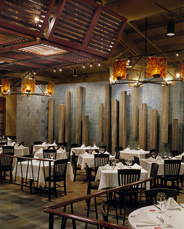 Fogo-CHI-Main-Dining-Water-Wall