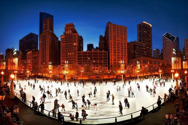 ice-skating-in-chicago-millennium-park