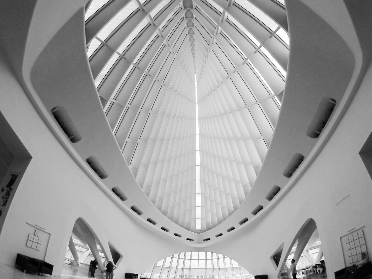 Milwaukee-Art-Museum-interior