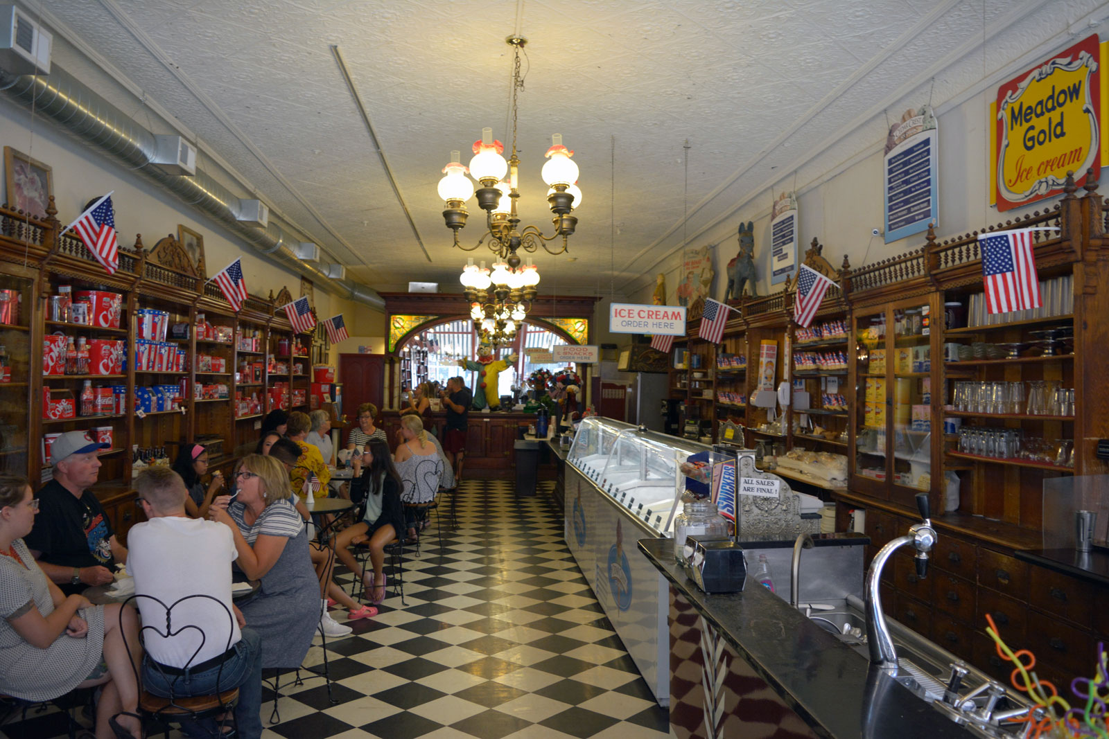 American Old Fashioned Ice Cream Parlor