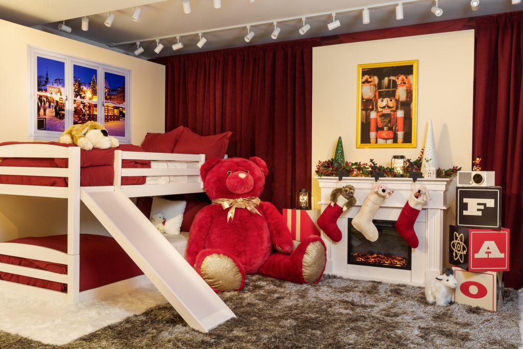 Airbnb FAO Schwarz bedroom