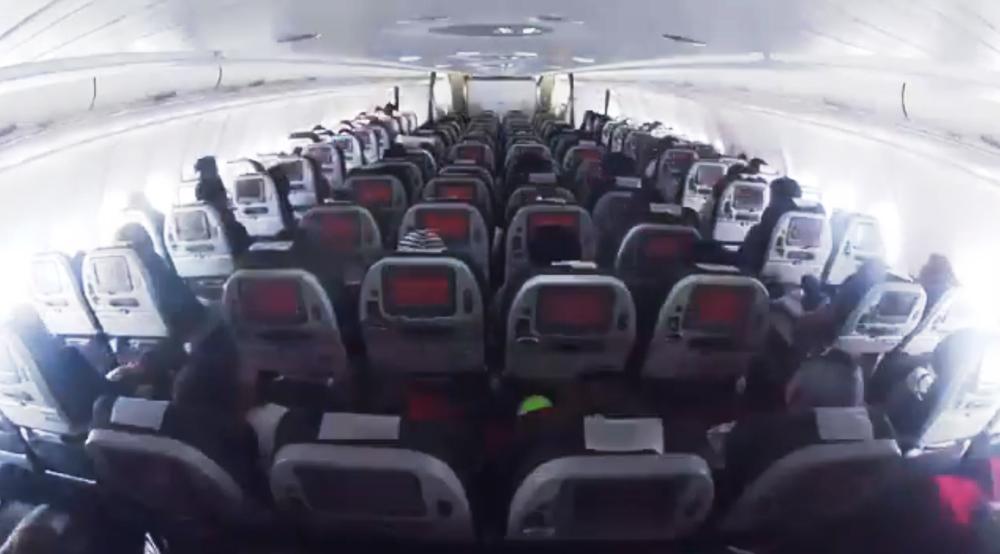 Fonseca in avianca plane concert